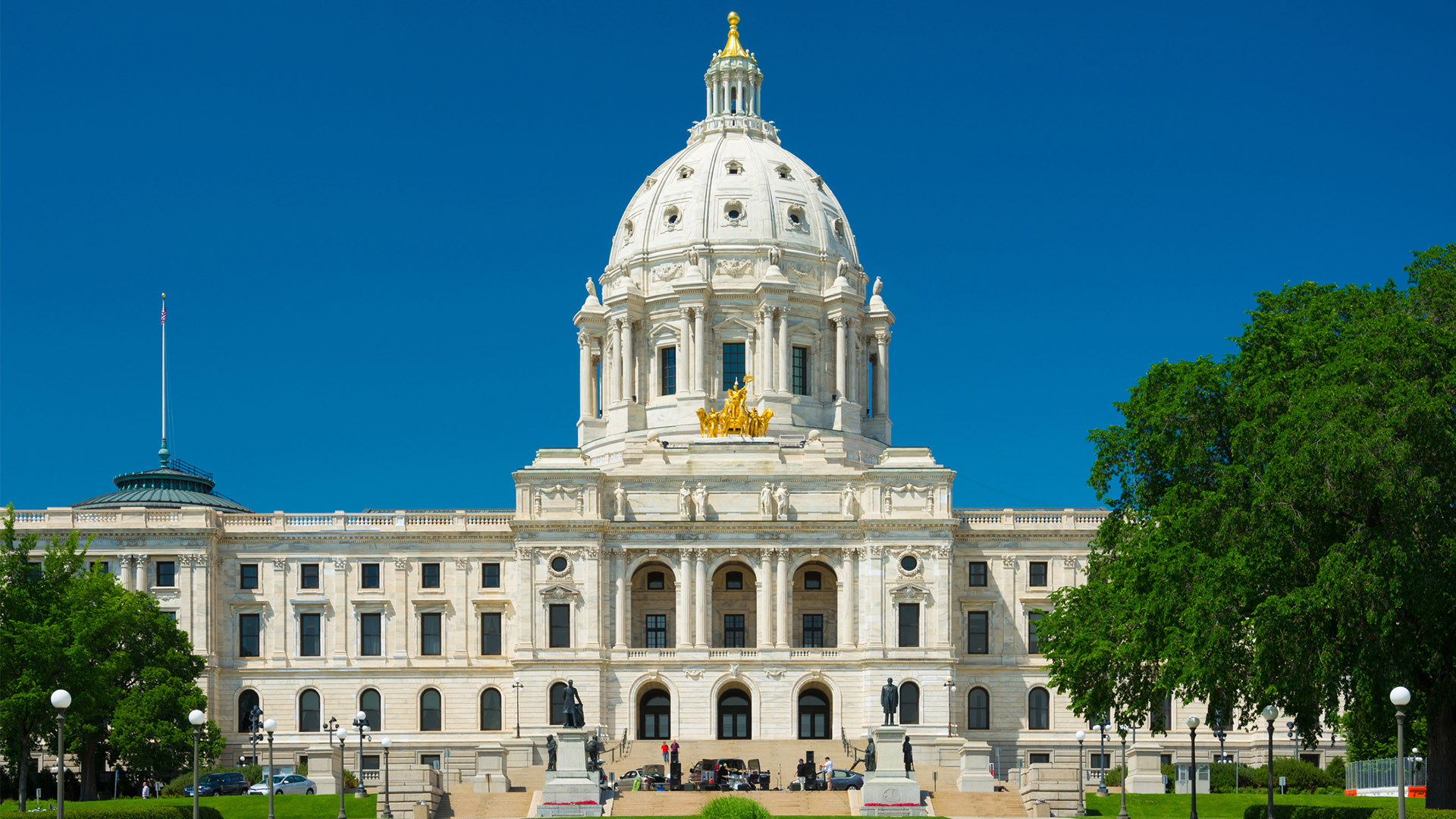 The Minnesota State Capitol on a sunny day in summer
